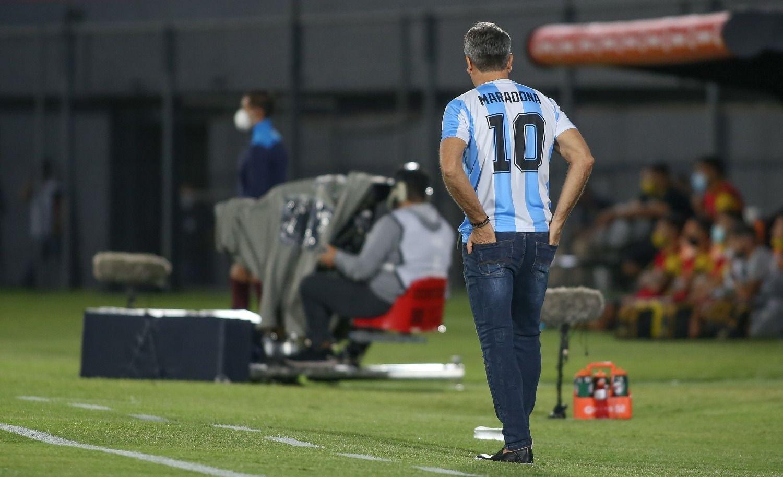 El DT brasileño que homenajeó a Maradona