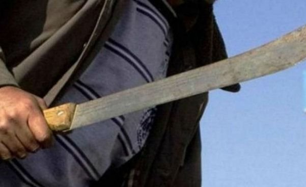MENDOZA | Robaron un negocio y amenazaron al empleado con un machete