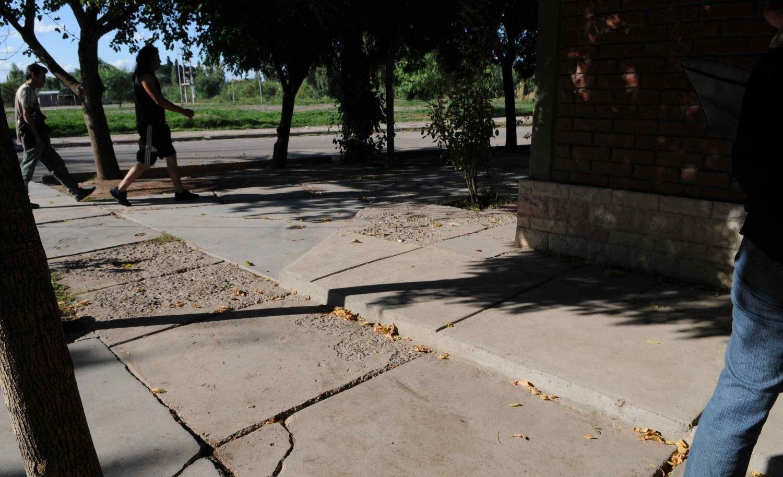 Barrio La Gloria: una pelea de chicas terminó con una apuñalada