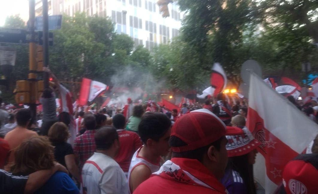 Los hinchas de River festejaron la Copa Libertadores en Mendoza