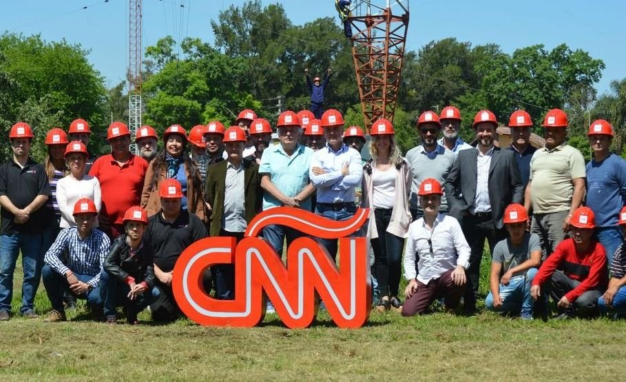 Con nombres rutilantes, presentan CNN Radio en Argentina