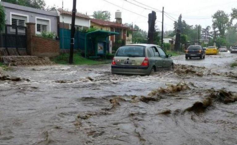 Córdoba | Mujer embarazada murió electrocutada al pisar un cable suelto por el temporal
