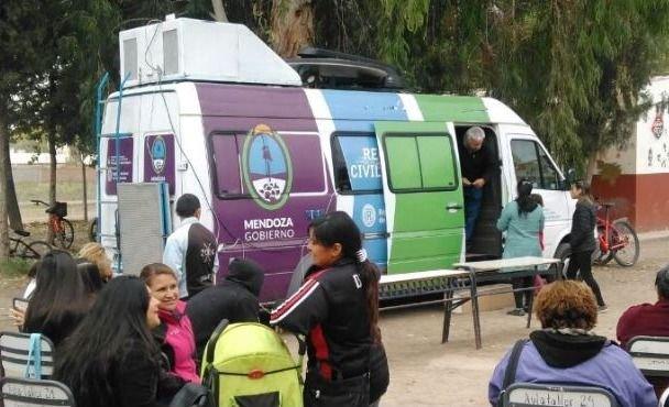 El móvil del Registro Civil recorrerá cuatro departamentos de Mendoza