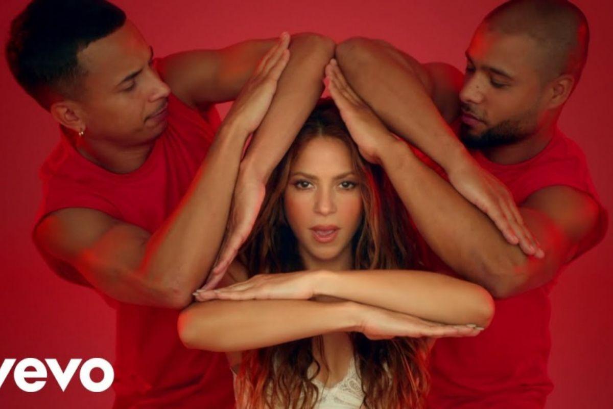 """GIRL LIKE ME"" | Black Eyed Peas y Shakira rinden tributo a las latinas"